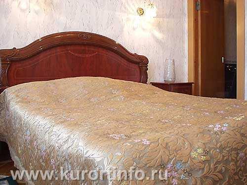 """Номерной фонд санатория  """"Крепость """" г.Кисловодск 2-конатные 2-местные номера категории  """"Люкс """" ."""